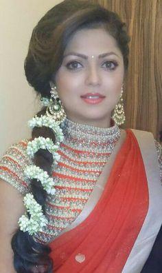 Drasht i dhami Indian Tv Actress, Beautiful Indian Actress, Bridal Makeup Looks, Bridal Looks, Bridal Lehenga, Saree Wedding, Bollywood Fashion, Bollywood Celebrities, Drashti Dhami