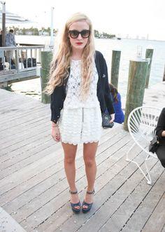 Beach attire! Beach Blonde, Heavy Jacket, Art Basel Miami, Beach Attire, Chunky Boots, Jet Set, White Shorts, Street Style, Sweaters