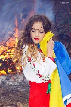 , Ukraine Women, Ukraine Girls, Traditional Fashion, Traditional Outfits, Ukrainian Art, Ukrainian Language, Beautiful Costumes, Folk Fashion, Fantasy Costumes