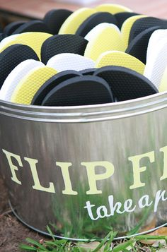 Flip Flop Bucket for the guests! Love Story Wedding, Our Wedding Day, Wedding Blog, Fall Wedding, Destination Wedding, Wedding Planning, Wedding Ideas, Wedding Fun, Wedding Things
