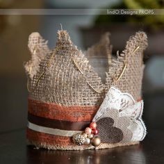 Burlap Kids Crown - this would be fun for a styled shoot. Photography Props Kids, Passion Photography, Burlap Board, Felt Crown, Lace Crowns, Shops, Diy Photo, Photo Props, Sewing Crafts