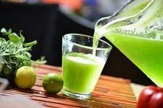 Agua de alfalfa con limón