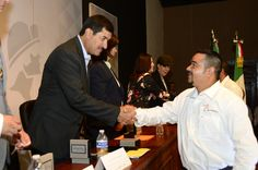 Entrega gobernador distinción a rescatistas que acudieron a CDMX