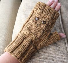 Owl Cable Fingerless Knit Gloves