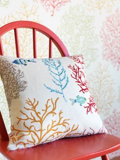 Inducing a breath of fresh air in your living space, #fabrics from Voyage of #Discovery, #Sanderson bring the beauty of 17th century discoveries right into the heart of your living space.  'Voyage of Discovery' pays homage to our pioneering ancestors, who collected memoirs of their #journeys with which to #decorate their #homes.
