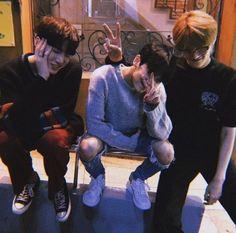 Korean Boys Ulzzang, Ulzzang Korea, Cute Korean Boys, Ulzzang Couple, Ulzzang Boy, Asian Boys, Parejas Goals Tumblr, Foto Best Friend, Boy Squad