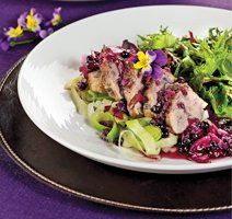 Filet de porc sauce aux bleuets Filets, Meal Prep, Cabbage, Prepping, Meals, Chicken, Vegetables, Ethnic Recipes, Drinks