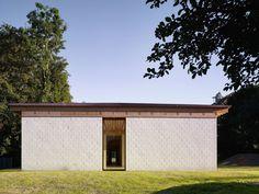 Kinderhaus entlisberg in zürich mauerwerk bildung/sport baunetz_wissen Hostel, Facade, In This Moment, Outdoor Decor, Design, Home Decor, Sport, Villas, Geometry