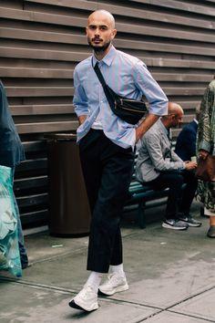 men's street style outfits for cool guys Street Style Outfits, Looks Street Style, Nike Street Style, Streetwear Mode, Streetwear Fashion, Best Mens Fashion, Look Fashion, Cheap Fashion, Gothic Fashion