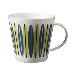 Enjoy your morning coffee or tea from Emma tea mug by Superliving! The mug is made of fine bone china and has a lovely retro pattern inspired by the soft, organic shapes from the 50s and 60s. Match it with other tableware by Superliving, all their series are designed to be used together.