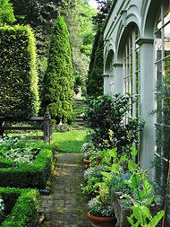 Great color for outside of a sunroom? Bunny Williams' Conservatory garden at Manor House, her Connecticut home of Affair with a House fame. Formal Gardens, Outdoor Gardens, Garden Paths, Garden Landscaping, Balcony Gardening, Side Garden, Garden Bed, Indoor Gardening, Container Gardening