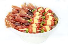 Pasabocas Pasta, Fruit Salad, Dog Food Recipes, Birthdays, Gastronomia, Hamburgers, Pastries, Vienna Bread, French Nails