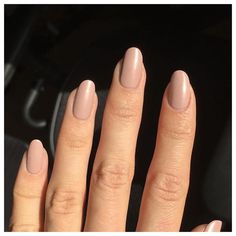 "Send me nudes  of #lauragpolish in ""Fifth Ave"" obviously  @allannails ❤️ #lauragpolish #liveglam"