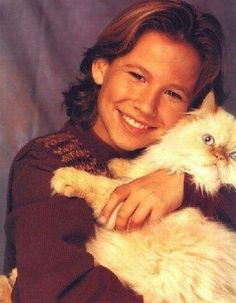 Celebrities With Cats, Young Celebrities, Celebs, Actor Picture, Actor Photo, Child Actors, Young Actors, Thomas Kuc, Jonathan Taylor Thomas