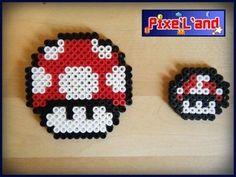Combinaison des deux champignons en Pixel art Pixels art Champignon de Mario rélaisé en perle Hama Couleur Rouge Taille : 7,5cm X 7,5cm (le grand) 3,5cm X 3,5cm (le petit)  *Pensez à la customisation de votre Pixel art !! : Porte clé, aimant, cadre, pot etc...*