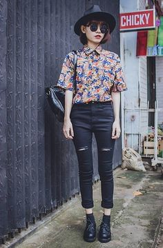 floral cropped button up + black skinnies