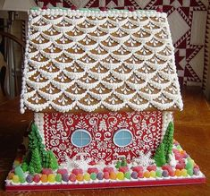 Red Gingerbread House with Intricate Hand Piping Gingerbread House Icing, Gingerbread House Designs, Gingerbread House Parties, Christmas Gingerbread House, Gingerbread Village, Winter Christmas, Christmas Crafts, German Christmas, Ginger House