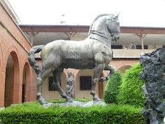 This enormous bronze statue of a horse is found in the front garden at the Antoine Bourdelle museum in Paris. *-*