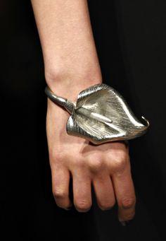 Lilly Bracelet / Yves Saint Laurent