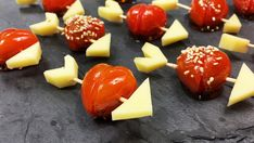 aperitif-love-tomatoes-pour-la-saint-valentin-la-saint-valentin-est-prise-en-compte/ delivers online tools that help you to stay in control of your personal information and protect your online privacy. Appetizer Recipes, Appetizers, Valentines Day Food, Valentine Sday, Valentine Recipes, Edible Food, Evening Meals, Diy Food, Saints