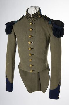 Uniform coat of a member of the St. Louis Grays, a pre-Civil War militia company in St. Louis, Missouri, c. Military Dresses, Military Uniforms, Military Coats, Daughter Of The Regiment, Civil War Photos, Historical Clothing, Historical Society, Military Fashion, Military Style