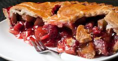 Berry Rhubarb Pie The perfect combination of tart and sweet is right here, in this amazingly summery treat!