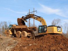 Merry Christmas! #cat #caterpillar #336f #hoe #trackhoe #excavator #thumb #bucket #cat #740 #dumptruck #construction #heavyequipment