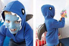Dieses Hai-Kostüm zum Selbermachen für Kinder ist unser Last-Minute-Kostüm-Tipp für Fasching und Halloween: günstig, einfach und schnell gemacht. © 2014 Christophorus Verlag GmbH & Co. KG