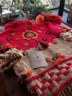 Warawa Urbana Crochet Jacket, Crochet Cardigan, Knit Crochet, Knitting For Kids, Hand Knitting, Crochet Capas, Denim Ideas, Modern Crochet, Crochet Fashion