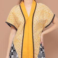 Karenina Atasan Batik Lengan Pendek Kuni... - Djani - 191885 Model Dress Batik, Batik Dress, Batik Fashion, Ethnic Fashion, Modest Fashion, Fashion Outfits, Womens Fashion, Grace Clothing, Batik Kebaya