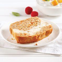 À la fois léger, moelleux et savoureux, ce pain aux carottes et fromage à la crème fera un malheur au déjeuner comme à l'heure de la collation! Loaf Cake, Scones, Banana Bread, Carrots, Breakfast Recipes, French Toast, Healthy Recipes, Healthy Food, Snacks