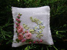 Di tutto un po'... bijoux, uncinetto, ricamo, maglia... ღ by tesselleelle ღ : Ceramica/porcellana
