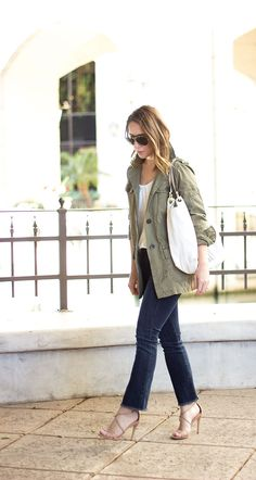 Shannon (Clothes & Quotes) is rocking those crop flares!  Perfect spring look.