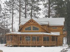 Exquisite & luxurious Tahoe home with a hot tub for your family