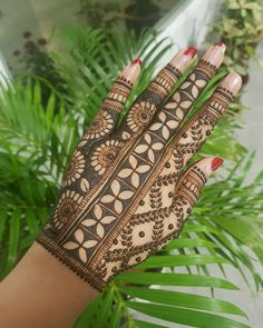 50 Most beautiful Bangalore Mehndi Design (Bangalore Henna Design) that you can apply on your Beautiful Hands and Body in daily life. Peacock Mehndi Designs, Khafif Mehndi Design, Mehndi Designs Book, Mehndi Designs For Girls, Mehndi Designs For Beginners, Stylish Mehndi Designs, Dulhan Mehndi Designs, Mehndi Design Photos, Mehndi Designs For Fingers