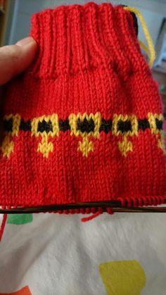 Knitted Hats, Socks, Knitting, Christmas, Fashion, Xmas, Moda, Tricot, Fashion Styles