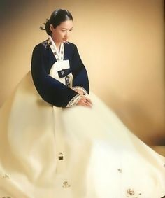 korean traditional wedding dress | PrettyStreet .com Makes You Look Prettier At All Time
