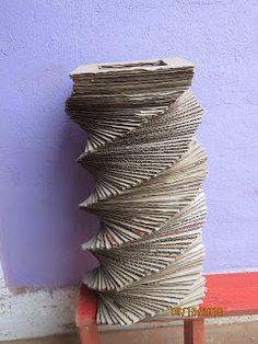 Reciclaje con Artesania: FLORERO DE CARTÓN Paper Vase, Fresh Flowers, Fake Flowers, Flower Vases, Recycling, Bottles, Manualidades