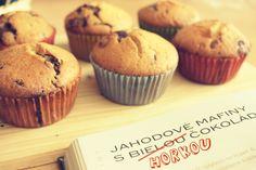 strawberry muffins with dark chocolate