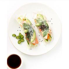 Vietnamese Summer Rolls - Recipe by Lush Loves I Love Food, Good Food, Yummy Food, Clean Eating, Healthy Eating, Healthy Food, Vietnamese Summer Rolls, Vietnamese Food, Korean Food