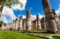 Columnas del Templo de Los Guerreros. Riviera Maya