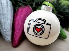 Christmas ornament - photography.  Love.  Want! ~~