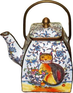 Mini Cat Teapot from the private collection of Mary Meyer's unusual  exotic teapots from around the world / Tea Infusion
