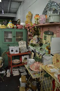 French Blue and Peachy Pink: The Hunt For All Things Pretty Continues