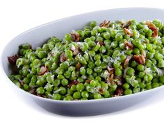 Get this all-star, easy-to-follow Peas, Bacon and Prosecco recipe from Giada De Laurentiis
