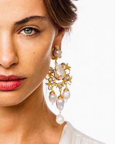 Handcrafted, hammered gold-plated brass earring with large fresh water baroque pearls and clear crystals. Available in both clip fastening & post for pierced ears. Gold Bar Earrings, Bride Earrings, Earrings Photo, Statement Earrings, Jewellery Earrings, Deb Dresses, Bridal Photoshoot, Crown Headband, Swarovski Crystal Earrings
