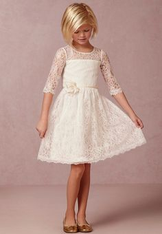 Vintage Ivory Short Lace Flower Girl Dresses for Country Wedding Half Sleeve First Communion Dresses With Handmade Flowers Cheap Kids Dress Cute Flower Girl Dresses, Lace Flower Girls, Girls Dresses, Dress Girl, Pageant Dresses, Girls Frocks, Flower Crowns, Lace Flowers, Bride Dresses