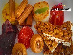 TURISMO EN CHIHUAHUA. Dentro de la basta gastronomía del estado de Chihuahua, no podían faltar los dulces. Existe una gran variedad y en muchos municipios del estado se producen los dulces típicos, tal es el caso de los famosos dulces de leche conocidos como jamoncillo con nuez, el rollo de guayaba relleno de cajeta de leche, los rollitos de coco y las ricas cocadas entre muchos otros. Venga a Chihuahua y pruebe sus exquisitos dulces típicos. www.turismoenchihuahua.com