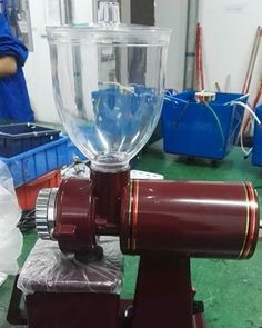 I took photos for My customer to confirm ,which is classic design ~coffee grinder .#www.chinablender.com