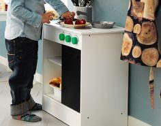 Deja que saquen su chef con NYBAKAD. (€ 24,99) Verona, Ikea, Kitchen Cart, Home Decor, Big Kitchen, Play Kitchens, Vessel Sink, White People, Home